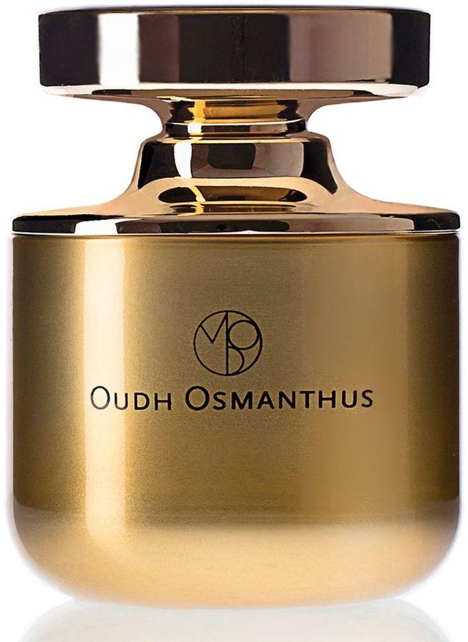 Mona Di Orio Парфюмерная вода Oudh Osmanthus, 75 млMDO3639Таинственное и ценное эфирное масло настоящего уда из Лаоса помещено в центр композиции Oudh Osmanthus и распространяет свои чары на остальные ноты, подчёркивая их красоту. С незапамятных времен уд считался ценнейшей и редчайшей смолой, доступной только богам и правителям. Аура уда навевает мысли о сказках 1001 ночи, она завораживает и выходит за рамки одного отдельно взятого флакона. Абсолют османтуса, цветка, аромат которого сочетает тёплые и завораживающие ноты жасмина, мёда и абрикоса, смягчает безудержный напор чистого уда в этом изысканном нектаре.Краткий гид по парфюмерии: виды, ноты, ароматы, советы по выбору. Статья OZON Гид