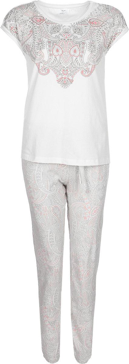Пижама женская Sela, цвет: слоновая кость. PYb-162/023-7331. Размер L (48)PYb-162/023-7331Женская пижама от Sela, состоящая из футболки и брюк, выполнена из эластичного трикотажа с добавлением вискозы и хлопка. Футболка с короткими цельнокроеными рукавами и круглым вырезом горловины. Брюки на талии дополнены эластичной резинкой и затягивающимся шнурком.