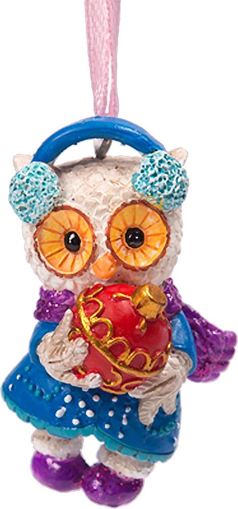 Украшение новогоднее елочное Magic Time Совушка с елочной игрушкой. 7561975619Оригинальное новогоднее украшение Magic Time Валторна выполнено из полирезины в виде совы с елочной игрушкой. С помощью специальной петельки украшение можно повесить в любом понравившемся вам месте. Но, конечно же, удачнее всего такая игрушка будет смотреться на праздничной елке. Новогодние украшения приносят в дом волшебство и ощущение праздника. Создайте в своем доме атмосферу веселья и радости, украшая всей семьей новогоднюю елку нарядными игрушками, которые будут из года в год накапливать теплоту воспоминаний.