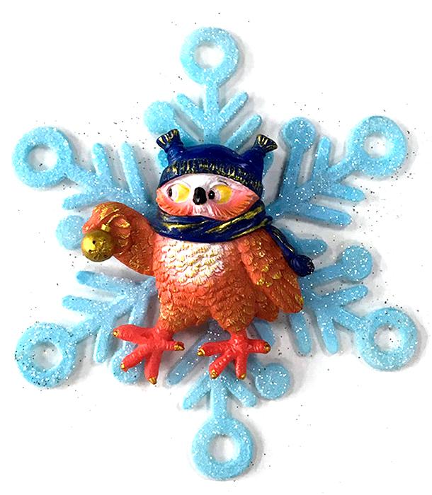 Украшение новогоднее подвесное Magic Time Совушка в снежинке75631Новогоднее подвесное украшение Совушка в снежинке выполнено из полирезина и акрила.