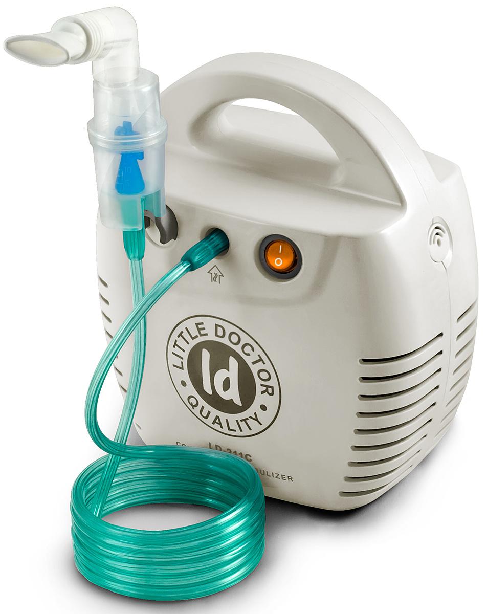 Little Doctor Ингалятор компрессорный LD-211 белый0001479Компрессорный ингалятор LD-211C разработан для лечения заболеваний дыхательный путей и легких. Его легко использовать и в лечебных учреждениях, и в домашних условиях. Модель имеет два цветовых варианта: белый и желтый.При вдохе ингалятор активируется, и его специальная конструкция позволяет получить поток воздуха с высокой концентрацией аэрозоля. При выдохе потери аэрозоля незначительны, что делает процедуру ингаляции качественной и эффективной.Малошумный ингалятор LD-211C отличает возможность использования для ингаляции различных лекарственных средств и их низкий остаточный объем.Благодаря наличию в комплекте прозрачной пластиковой коробки прибор удобно хранить и переносить.В комплекте с прибором так же поставляются взрослая и детская маски и насадки для носа. Это позволяет проводить ингаляции всем членам семьи.Ингалятор рассчитан на 20 минут беспрерывной работы.Комплект поставки:Компрессор - 1 шт.Небулайзер (муфта, отбойник, верхняя и нижняя часть небулайзера)Отбойник - 1 шт.Маска ингаляционная взрослая - 1 шт.Маска ингаляционная детская - 1 шт.Маска ингаляционная детская (малая) - 1 шт.Насадка для носа взрослая - 1 шт.Насадка для носа детская - 1 шт.Мундштук ингаляционный - 2 шт.Трубка ингаляционная 2 м - 1 шт.Фильтр ингаляционный - 5 шт.Угловой держатель для небулайзера - 1 шт.Пластиковый бокс - 1 шт.Предохранитель 1А 250 В - 2 шт.Инструкция на русском языкеГарантийный талон