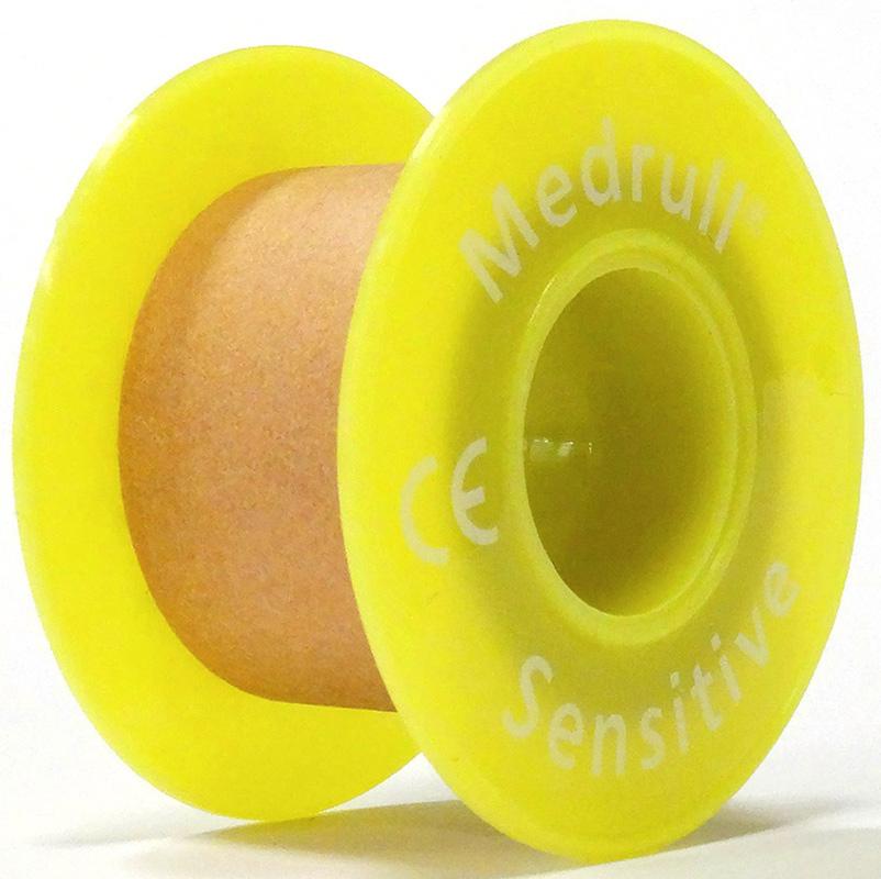 Medrull Лейкопластырь медицинский фиксирующий Sensitive, рулонный на нетканой основе, 2,5х500 см4742225004888ПЛАСТЫРЬ В РУЛЛОНЧИКЕ SENSITIVE/ ТЕЛЕСНОГО ЦВЕТА Состав 100% нетканный материал. Структура материала нетканная полоска ткани на цинк – оксидной основе. Размер 2.5cм x 500cм