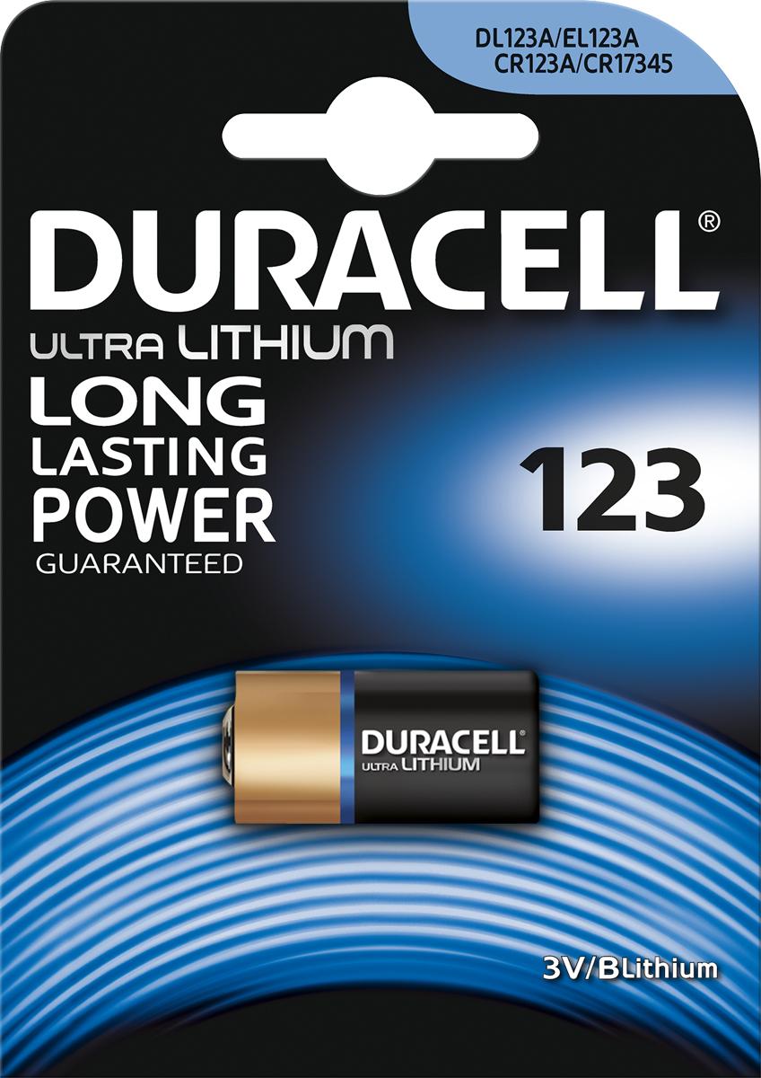 Фотобатарейка литиевая Duracell Ultra, специальная, тип 123, 1 штDRC-81476860При создании литиевых фотобатарей Duracell Ultra 123 используется литий высокой степени очистки, что позволяет обеспечить надежный и долговечный заряд для вашей фотоаппаратуры. При хранении батареек технология Duralock Power Preserve гарантирует сохранение заряда до 10 лет, так что вы можете быть уверены, что эти литиевые фотобатарейки будут наготове, когда вам понадобится энергия. Особенности: - Специальные литиевые фотобатареи Duracell Ultra 123 - гарантированный длительный заряд. - При создании литиевых фотобатарей Duracell Ultra 123 используется литий высокой степени очистки. - Технология Duralock Power Preserve™ гарантирует до 10 лет сохранения заряда неиспользованных батареек. - Литиевые фотобатареи Duracell Ultra представлены в различных размерах.
