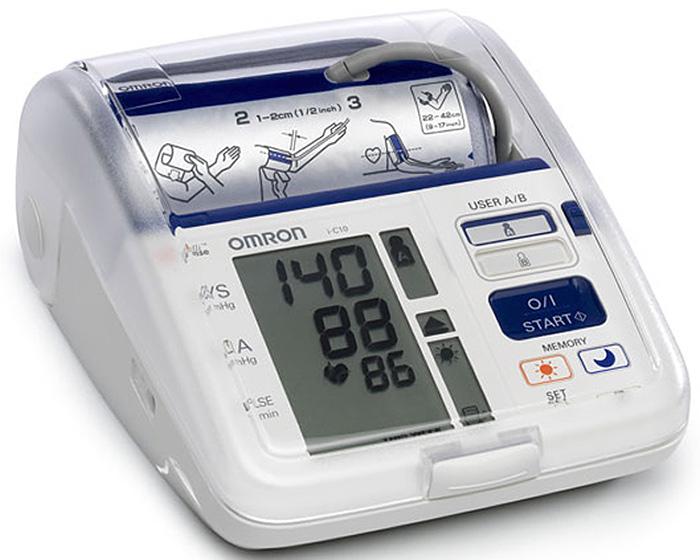 Omron i-C10 тонометр000 000 00239Тонометр OMRON i-C10 - это современные технологии диагностики гипертонии у Вас дома. Данный тонометр разрабатывался при участии врачей-кардиологов и учитывает все особенности проведения измерения давления и пульса. С помощью этого прибора Вы можете предотвратить риск возникновения заболеваний сердца таких, как инфаркт и инсульт.При контроле своего артериального давления особенно важно обращать внимания на утренние и вечерние результаты измерений. Высокое утреннее давление наблюдается у многих пациентов и тесно связано с риском инсульта и инфаркта. Выявление Утренней Гипертензии позволяет пациенту и его лечащему врачу предотвратить данный риск. Просыпаетесь ли Вы утром или спокойно отдыхаете вечером у себя дома, Ваше давление должно быть нормальным.Тонометр Omron i-C10 имеет функцию расчета среднего утреннего и среднего вечернего давления. Запоминает показания и предупреждает Вас о попадании в зону риска. Вы можете самостоятельно просматривать историю своих измерений с указанием времени и даты, разделяя их на утренние и вечерние.