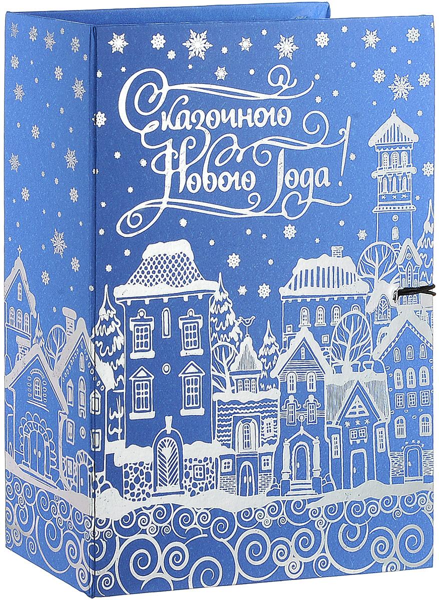 Коробка подарочная Magic Time Заснеженный город, 20 х 14 х 6 см75027Подарочная коробка Magic Time Заснеженный город, выполнена из мелованного, ламинированного картона. Коробка закрывается на деревянную пуговицу. Изделие полностью оформлено оригинальными рисунками в зимней тематике.Подарочная коробка - это наилучшее решение, если вы хотите порадовать ваших близких и создать праздничное настроение, ведь подарок, преподнесенный в оригинальной упаковке, всегда будет самым эффектным и запоминающимся. Окружите близких людей вниманием и заботой, вручив презент в нарядном, праздничном оформлении.Плотность картона: 1100 г/м2.