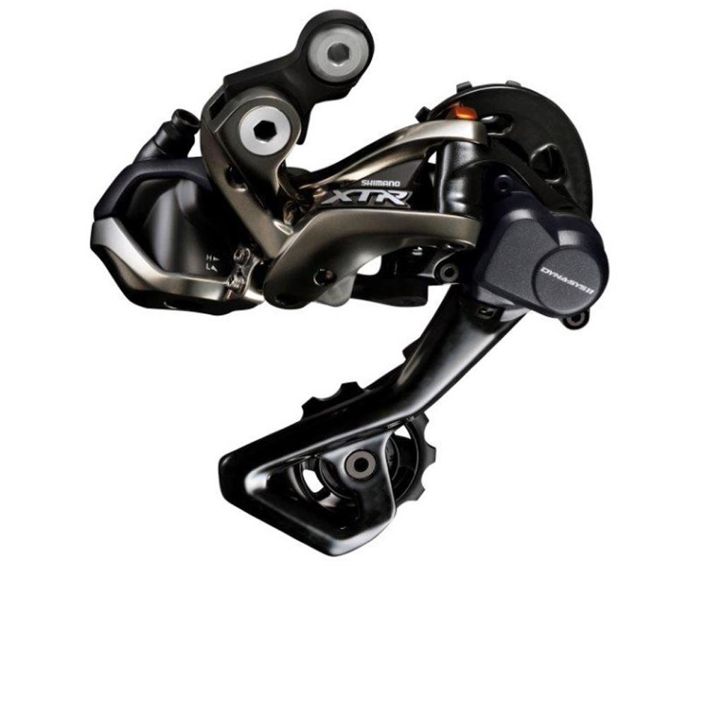 Переключатель задний Shimano XTR Di2 M9050, 11 скоростей, SGSIRDM9050SGSВсе товары категории переключатели скоростей на велосипед SHIMANOПереключатель задний Shimano XTR Di2 M9050 11 Скоростей Shimano XTR M9050 - первая электронная группа компонентов для маунтинбайка. Совершенно новый задний переключатель M9050 имеет в полтора раз более мощный мотор, чем его шоссейные аналоги. Привод спрятан глубже в корпусе переключателя. Такая конструкция позволит более эффективно работать в грязи, свойственной МТБ. Также как и механический задний переключатель, RD-M9050 имеет технологию Shadow RD+, позволяющую регулировать натяжение пружины переключателя с помощью шестигранника.