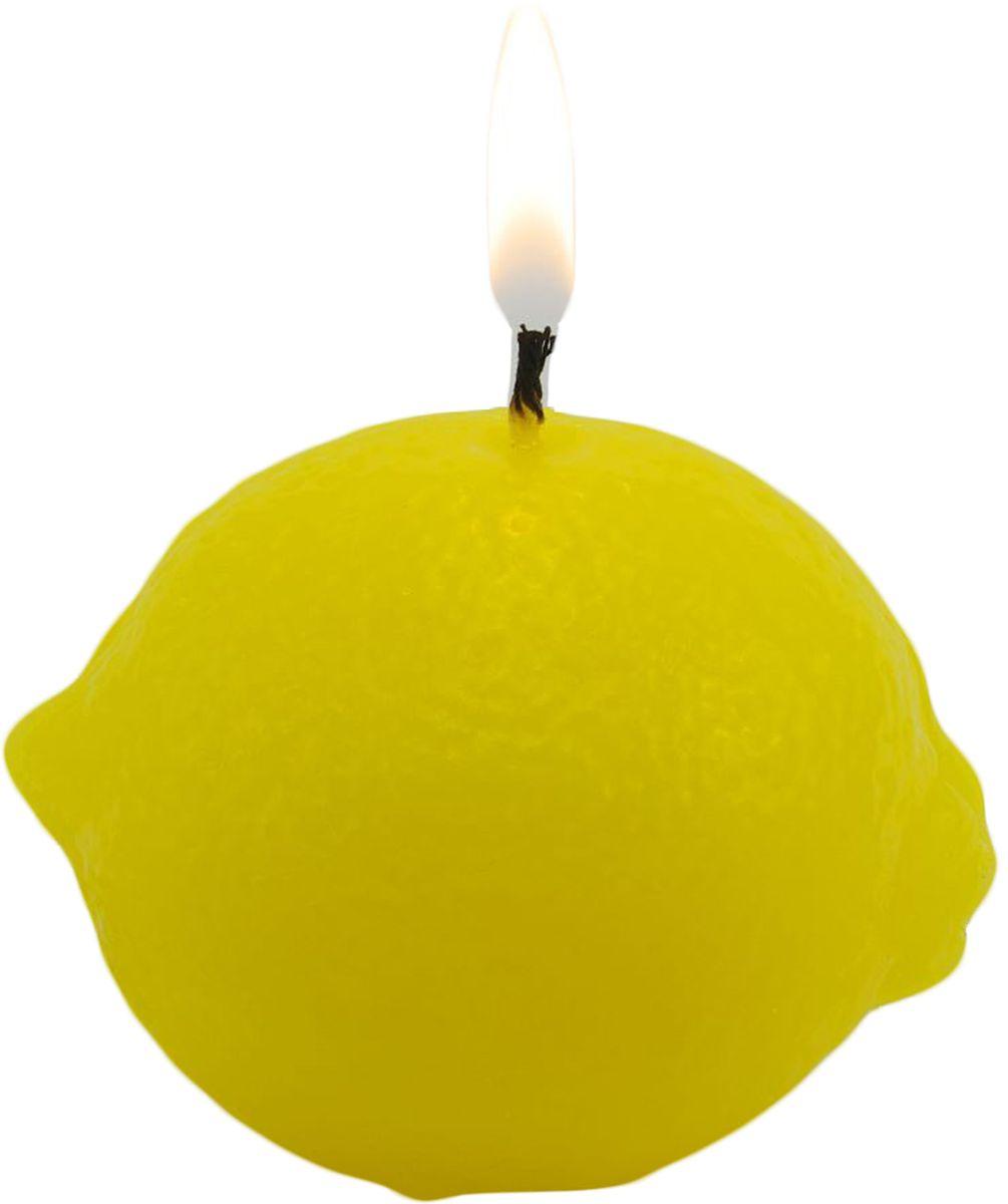 Свеча декоративная Sima-land Лимон, цвет: желтый, высота 7 см1388185Долгожданная новогодняя ночь - время волшебства, новых надежд и ярких эмоций. Превратить эту ночь в сказку могут тысячи огоньков от гирлянд, мишура, блестящие елочные игрушки, но главное - это свечи на праздничном столе.Мягкий теплый свет свечи Sima-land придает всему очаровательные магические очертания. В такие моменты загораются глаза, а сердца наполняются радостью.