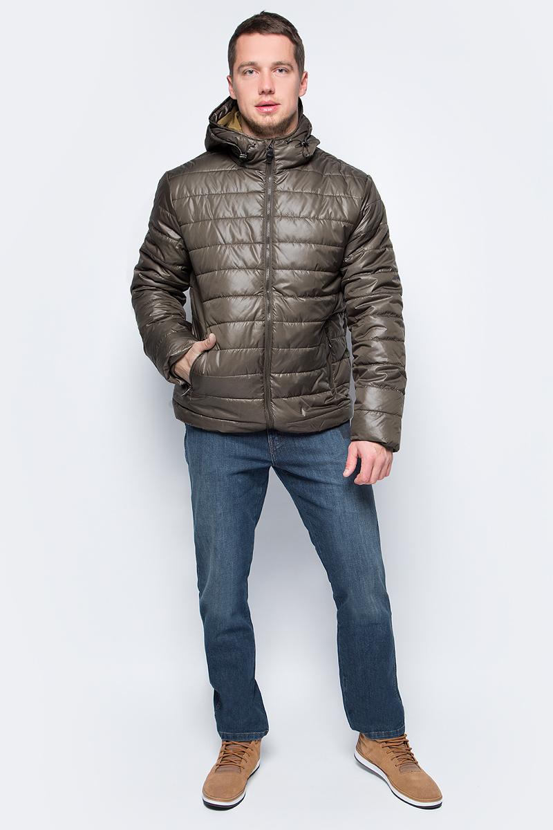 Куртка мужская Sela, цвет: оливковый. Cp-226/407-7311. Размер L (50)Cp-226/407-7311Мужская куртка от Sela выполнена из плащевки. Модель укороченного кроя с длинными рукавами и втачным капюшоном застегивается на молнию. По бокам модель дополнена карманами на молниях.