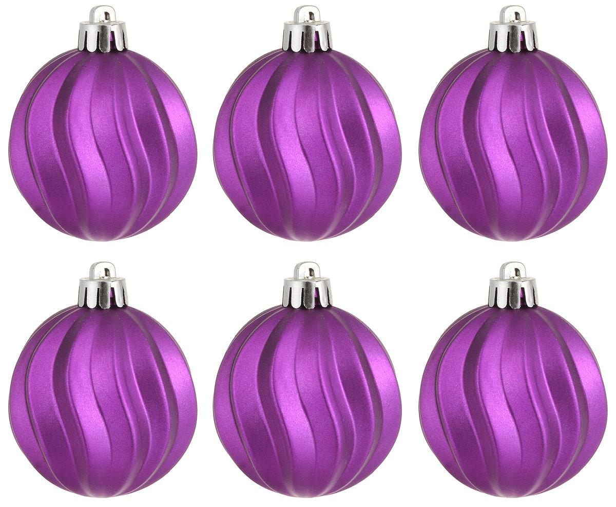 """Новогоднее подвесное украшение Magic Time """"Шар. Волны фиолетовый"""" отлично подойдет для декорации новогодней ели. В комплект входят  шесть шаров, изготовленных из полистирола.  Создайте в своем доме атмосферу веселья и радости, украшая всей семьей новогоднюю елку нарядными игрушками, которые будут из года в год  накапливать теплоту воспоминаний.  Диаметр шара: 5,5 см"""