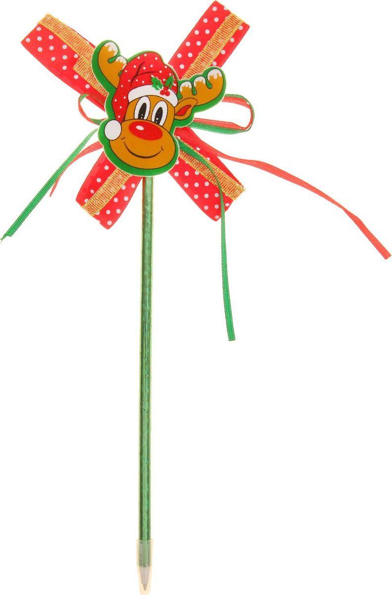 Страна Карнавалия Ручка шариковая Олененок цвет чернил синий1110394Шариковая ручка Олененок станет отличным презентом в новогодние праздники! Для взрослых это будет оригинальное украшение рабочего стола и приятное напоминание о человеке, который преподнёс такой сувенир. А маленьких деток привлечёт красочный дизайн — за уроки они будут браться с энтузиазмом. Наконечник в виде мордочки олененка подарит улыбки и море позитива — такой зимний атрибут просто не захочется выпускать из рук!