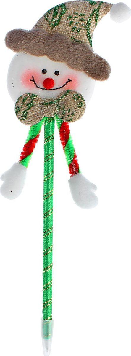 Sima-land Ручка Веселый снеговик2326746Шариковая ручка с тематическим принтом станет отличным презентом в новогодние праздники! Для взрослых это будет оригинальное украшение рабочего стола и приятное напоминание о человеке, который преподнёс такой сувенир.А маленьких деток привлечёт красочный дизайн — за уроки они будут браться с энтузиазмом. Наконечник в форме различных фигурок подарит улыбки и море позитива — такой зимний атрибут просто не захочется выпускать из рук!