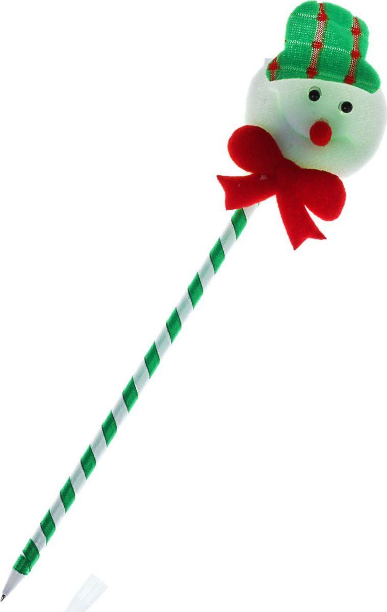 Sima-land Ручка Снеговик 23794292379429Шариковая ручка с тематическим принтом станет отличным презентом в новогодние праздники! Для взрослых это будет оригинальное украшение рабочего стола и приятное напоминание о человеке, который преподнёс такой сувенир. А маленьких деток привлечёт красочный дизайн - за уроки они будут браться с энтузиазмом. Наконечник в форме различных фигурок подарит улыбки и море позитива - такой зимний атрибут просто не захочется выпускать из рук!