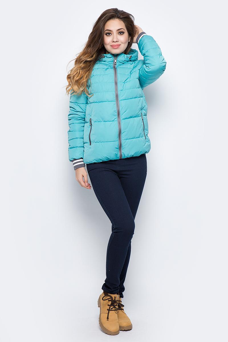 Куртка женская Grishko, цвет: бирюзовый. AL - 3290. Размер 42AL - 3290Стильная молодежная куртка с прорезными карманами на молниях и глубоким капюшоном. Рукава укреплены спортивными полосатыми манжетами. Микрофайбер - это утеплитель нового поколения, который отличается повышенной теплоизоляцией, антибактериальными свойствами, долговечностью в использовании, необычайно легок в носке и уходе. Изделия легко стираются в машинке, не теряя первоначального внешнего вида. Комфортная температура носки до минус 10 градусов.