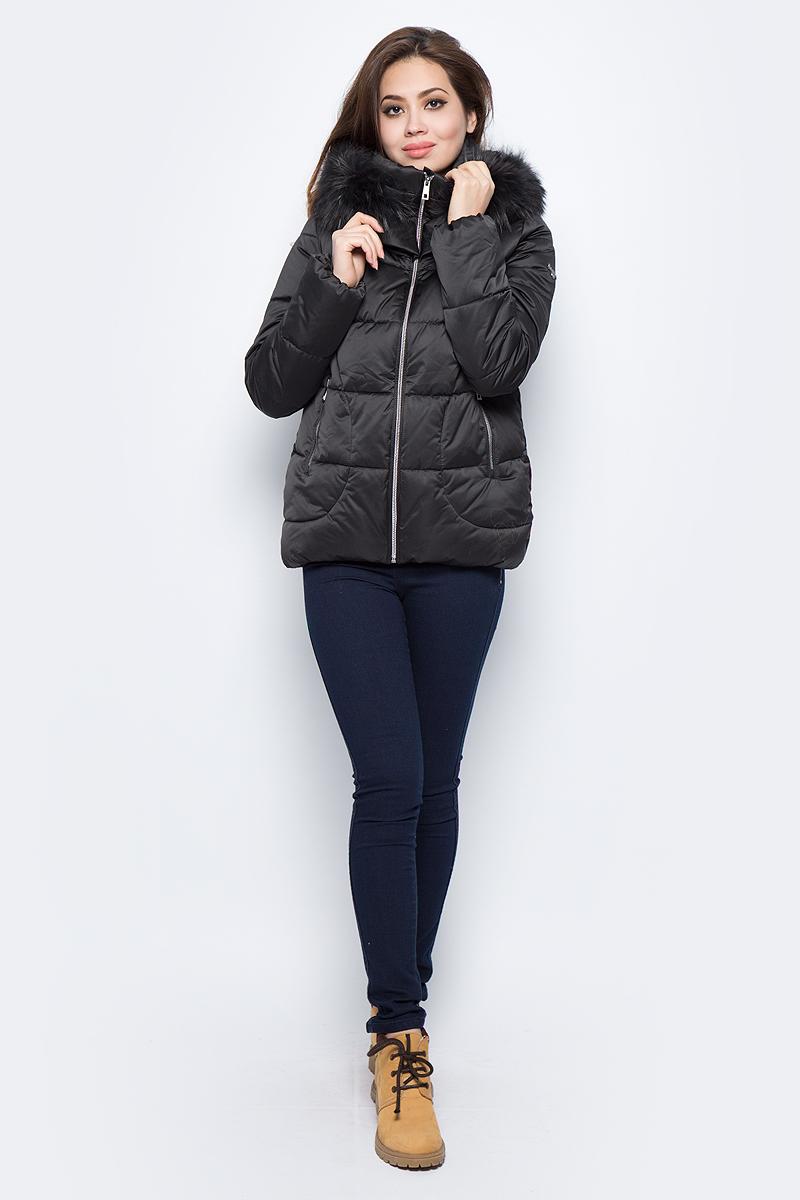Куртка женская Grishko, цвет: черный. AL - 3292/1. Размер 46AL - 3292/1Стильная куртка с прорезными карманами на молниях и глубоким капюшоном. Капюшон с отделкой из меха енота. Куртка изготовлена из качественного полиэстера с подкладкой из микрофайбера. Модель с высоким воротником застегивается на молнию.