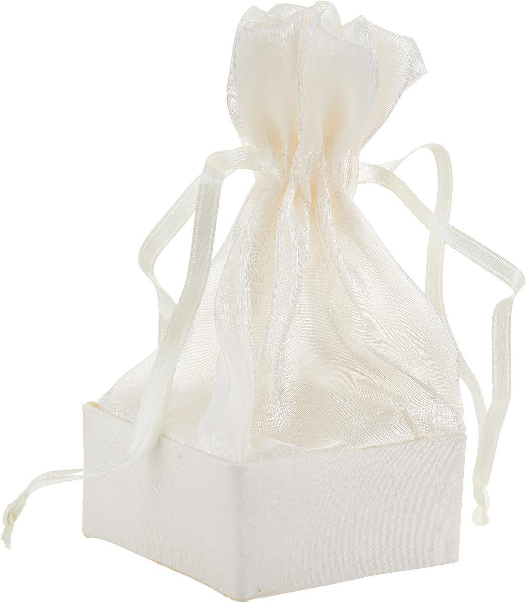 Коробочка для подарка Piovaccari Тиффани, цвет: кремовый, 5 х 5 х 11 см1898XP 02Коробочка для подарка Piovaccari Тиффани выполнена в виде мешочка, который затягивается изавязывается лентой. Основание коробки изготовлено из твердого картона и обтянуто органзой. Коробочка Piovaccari Тиффани станет одним из самых оригинальных вариантов упаковки дляподарка. Яркий дизайн будет долго напоминать владельцу о трогательных моментах полученияподарка.