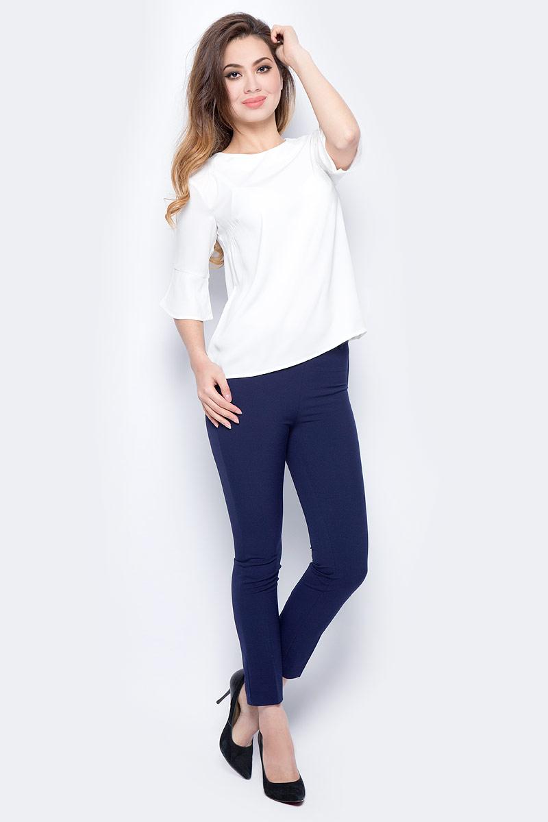 Брюки женские Sela, цвет: синяя впадина. P-115/857-7321. Размер 48P-115/857-7321Женские брюки от Sela выполнены из эластичного трикотажа. Укороченная модель зауженного кроя сбоку застегивается на потайную застежку-молнию. Эластичный пояс дополнен шлевками для ремня. Сзади имеются карманы-обманки.