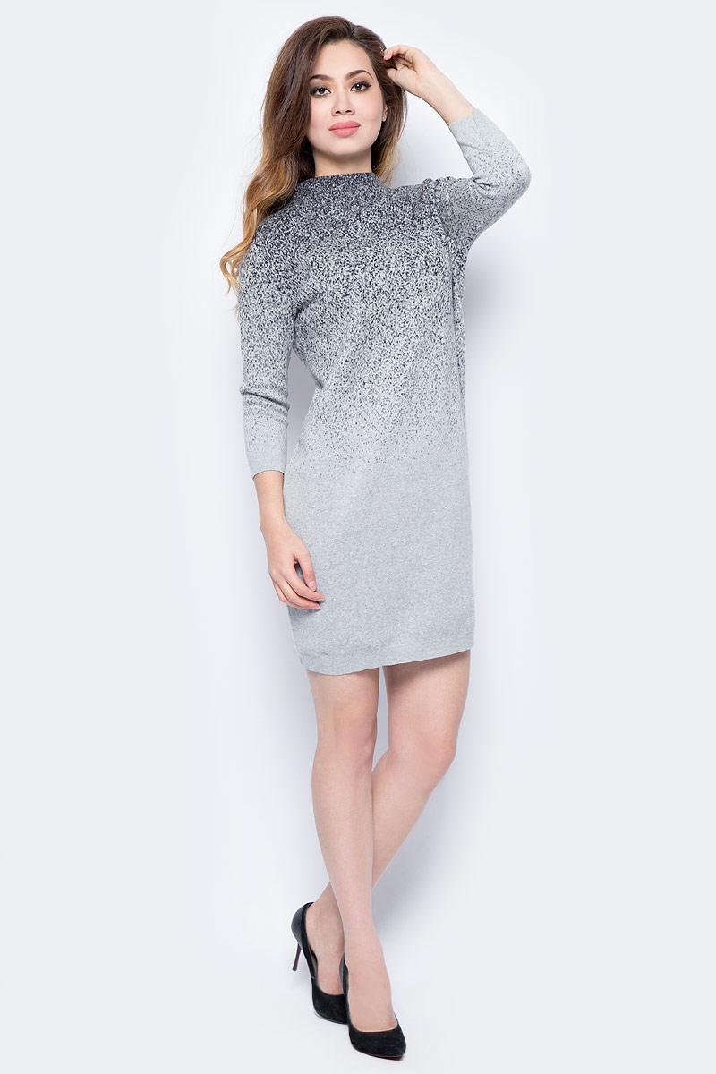 Платье Sela, цвет: светло-серый. DSw-317/1069-7413. Размер L (48)DSw-317/1069-7413Повседневное платье от Sela выполнено из натурального хлопка. Модель прямого кроя с рукавами 3/4 и воротником-воронкой.