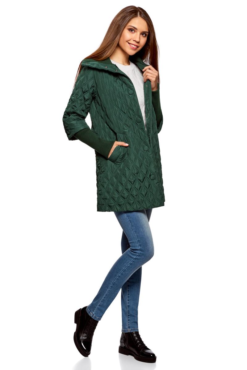 Пальто женское oodji Collection, цвет: темно-изумрудный. 28303004-1/47203/6E00N. Размер 36-170 (42-170)28303004-1/47203/6E00NСтеганое утепленное пальто от oodji прямого кроя. Модель выполнена из гладкого текстиля и утеплена синтепоном. Пальто застегивается молнию и имеет ветрозащитный клапан на кнопках, по бокам дополнено втачными карманами. Рукава имеют оригинальный крой.