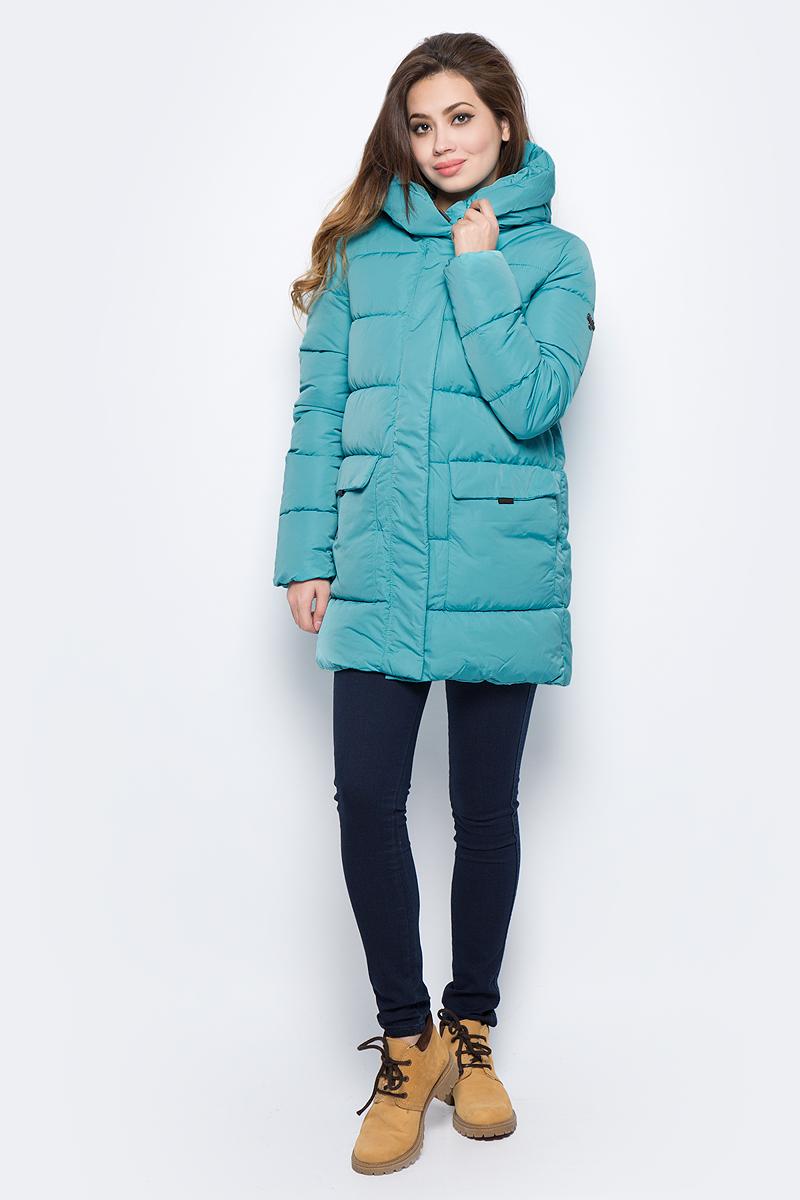 Куртка женская Grishko, цвет: бирюзовый. AL - 3294. Размер 48AL - 3294Практичная и модная теплая куртка прямого силуэта изготовлена из водооталкивающей ткани. Молния и глубокий капюшон, с регулируемыми отворотами, дополнительно защищающими от непогоды, закрыты планкой. Большие накладные карманы с боковым и верхним входом под клапанами. Незаменимая модель в холодную зимнюю погоду. Микрофайбер - это утеплитель нового поколения, который отличается повышенной теплоизоляцией, антибактериальными свойствами, долговечностью в использовании, необычайно легок в носке и уходе. Изделие легко стирается в машинке, не теряя первоначального внешнего вида. Комфортная температура носки до минус 20 градусов.