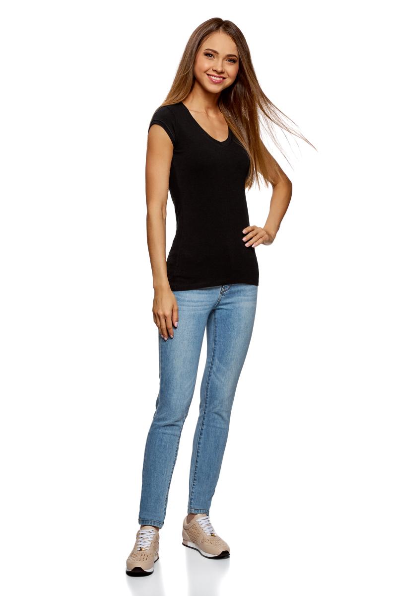 Футболка женская oodji Ultra, цвет: черный, 3 шт. 14711002T3/46157/2900N. Размер M (46)14711002T3/46157/2900NБазовая футболка от oodji с V-образным вырезом. Облегающий силуэт подчеркивает фигуру. Открытый вырез привлекает внимание к линии декольте. Элегантная футболка одинаково хорошо смотрится на девушках разного роста и комплекции.Базовая футболка станет основой для повседневного или спортивного гардероба. С ней вы сможете создать совершенно разные по стилю образы: спортивный, домашний или Casual. Футболка хорошо смотрится с джинсами, спортивными брюками, шортами и юбками. Она прекрасно сочетается с вещами второго слоя: жакетами, толстовками, кардиганами или трикотажными кофточками. Каждый раз эта модель может выглядеть по-новому! Практичная и универсальная футболка уверенно впишется в ваш гардероб!В комплект входят три футболки.