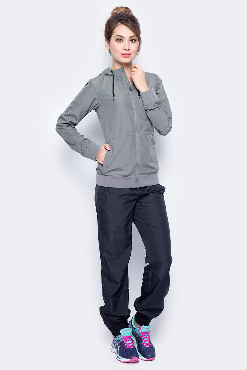 Костюм спортивный женский Asics Suit, цвет: серый, черный. 142916-0729. Размер L (48/50)142916-0729В костюме Asics Suit вы будете выглядеть стильно, а чувствовать себя невероятно комфортно. Материал гарантирует легкость движений, как при занятиях спортом, так и в повседневной носке. Ветровка с длинными рукавами застегивается спереди на молнию. Модель с капюшоном дополнена двумя прорезными карманами спереди. Манжеты дополнены широкой эластичной резинкой. Спортивные брюки имеют широкую эластичную резинку на поясе.