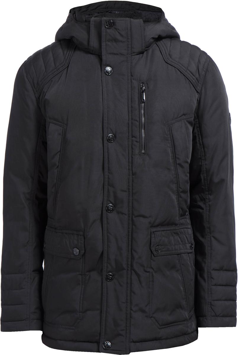 Куртка мужская Finn Flare, цвет: черный. W17-21005_200. Размер L (50)W17-21005_200Теплая куртка Finn Flare изготовлена из качественного полиэстера. Модель с длинными рукавами и капюшоном застегивается на молнию и кнопки. Куртка дополнена практичными карманами.