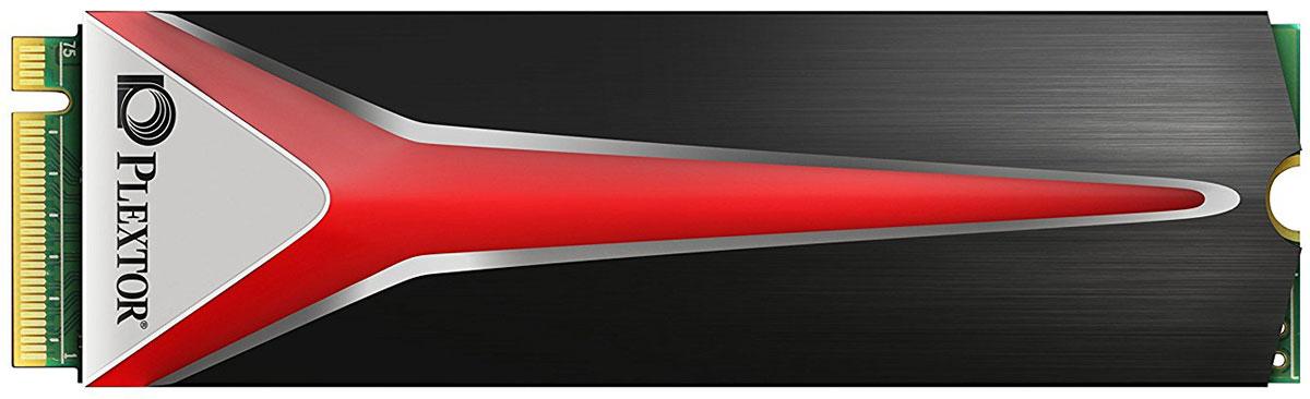 Plextor M8Pe 1TB SSD-накопитель (PX-1TM8PEG)430166Plextor SSD M8Pe - оружие профессиональных киберспортсменов. Твердотельный накопитель оснащен новым интерфейсом PCIe Gen3 x4 и поддерживает протокол NVMe. Производительность устройства составляет запредельные 2500 / 1400 МБ/с в операциях последовательного чтения / записи. Столь впечатляющие показатели позволяют без проблем справляться даже с самыми тяжелыми нагрузками, обеспечивая плавный и комфортный игровой процесс.Низкие рабочие температуры - важное условие стабильной и длительной работы накопителя. В M8Pe используется высокоэффективный радиатор, позволяющий не беспокоиться о возможном перегреве SSD.Все SSD от Plextor проходят тщательную проверку с использованием самого современного испытательного оборудования для твердотельных накопителей. К конечным пользователям попадают лишь устройства, прошедшие все тесты без единого сбоя и подтвердившие свою исключительную надежность. Показатель MTBF для накопителей семейства M8Pe составляет 2,4 миллионов часов, так что они полностью готовы к длительному интенсивному использованию и могут применяться для хранения важных данных.Технология TrueSpeed позволяет сохранять высокое быстродействие SSD даже после длительного использования и при сильном заполнении объема.Технология TrueProtect представляет собой механизм многоступенчатой проверки на наличие ошибок, который автоматически запускается микропрограммой. Используя функции исправления ошибок ECC, он может устранить до 128 бит случайных ошибок; путем взаимодействия с эксклюзивным механизмом устранения ошибок в реальном времени Plexor в совокупности с функцией самотестирования Flash технология TrueProtect обеспечивает доступ к данным без ошибок.
