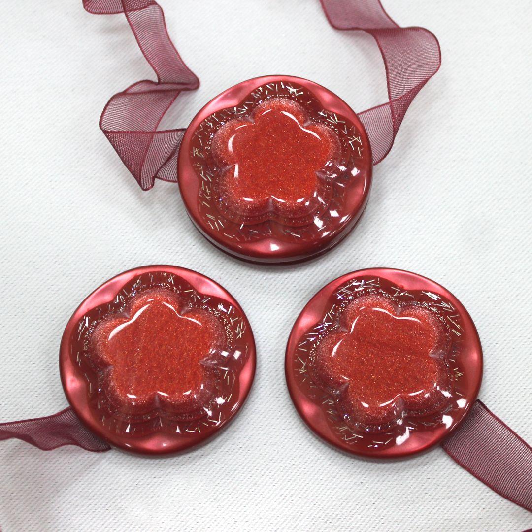 Магнит для штор TexRepublic Lenta, цвет: бордовый, 2 шт. MI M13-479031Украшения для штор в виде декоративных магнитов используются для крепления шторы и декора окна.