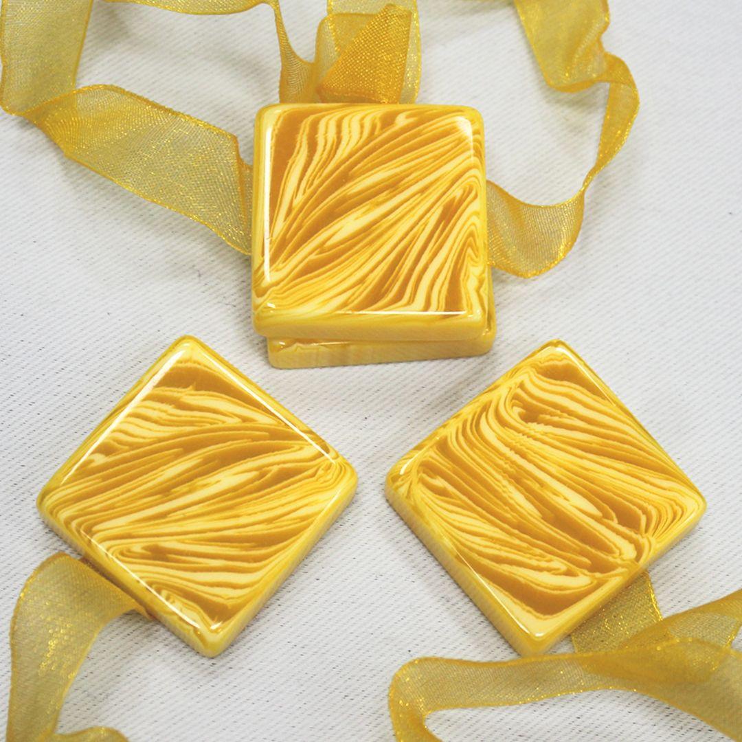 Магнит для штор TexRepublic Lenta, цвет: желтый, 2 шт. MI M14-590240082Украшения для штор TexRepublic Lenta выполнено в виде декоративных магнитов. Используются для крепления шторы и декора окна.