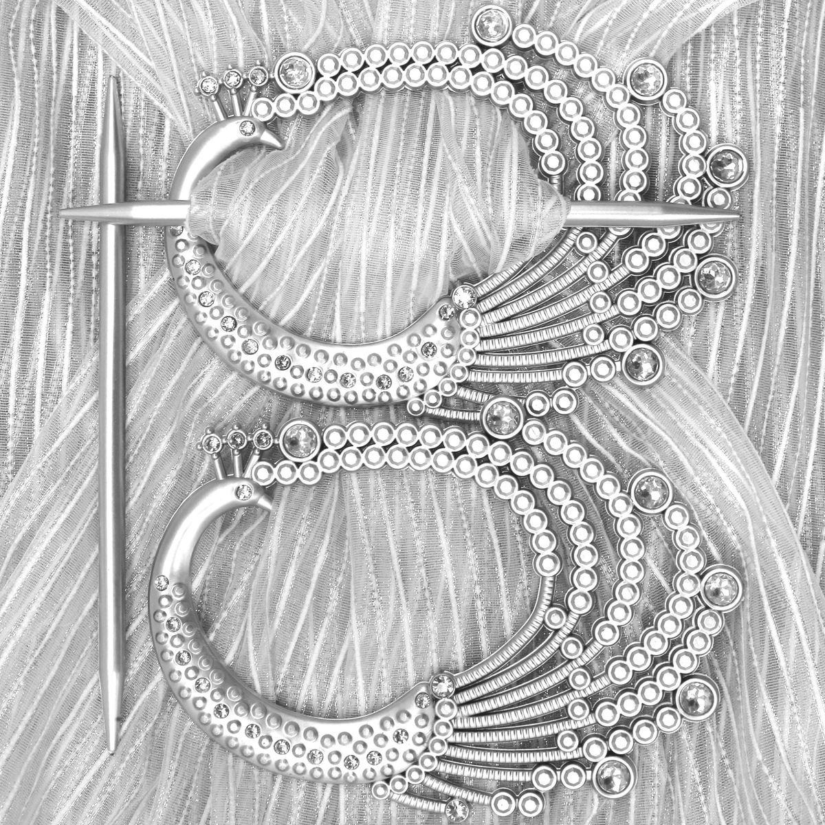 Заколка для штор TexRepublic Pavlin, цвет: серебристый, 2 шт. MI C7-179038Заколка TexRepublic Pavlin, выполненная из высококачественного пластика, предназначена для фиксации штор или для формирования декоративных складок на ткани. С ее помощью можно зафиксировать шторы или скрепить их, придать им требуемое положение, сделать симметричные складки. Заколка для штор является универсальным изделием, которое превосходно подойдет для любых видов штор. Изделие придаст шторам восхитительный, стильный внешний вид и добавит уют в интерьер помещения. В комплекте 2 заколки.