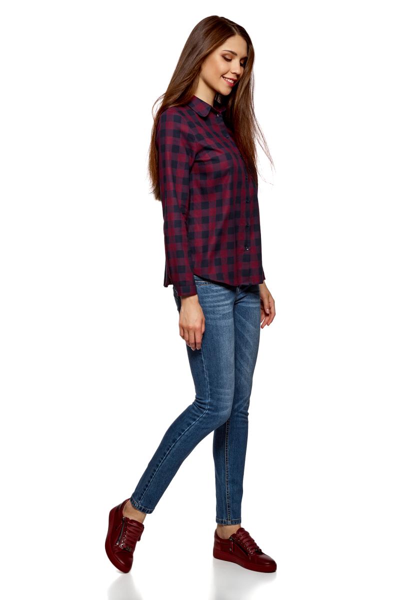Рубашка женская oodji Ultra, цвет: темно-синий, бордовый. 11401266/46975/7949C. Размер 34-170 (40-170)11401266/46975/7949CСтильная рубашка от oodji выполнена из натурального хлопка. Модель с отложным воротником и длинными рукавами застегивается на пуговицы, на груди дополнена накладным кармашком, оформленным аппликацией.