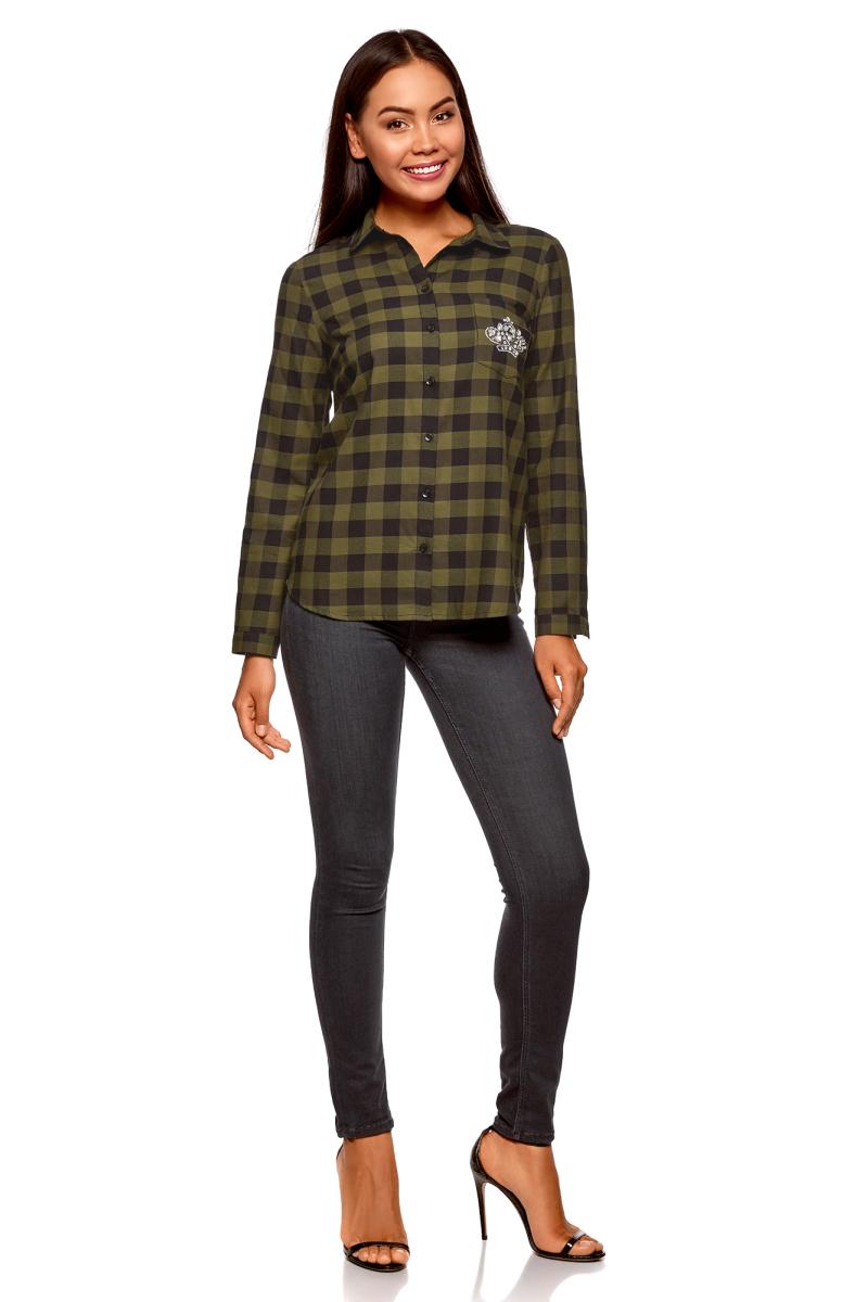 Рубашка женская oodji Ultra, цвет: черный, хаки. 11401266/46975/2966C. Размер 40-170 (46-170)11401266/46975/2966CСтильная рубашка от oodji выполнена из натурального хлопка. Модель с отложным воротником и длинными рукавами застегивается на пуговицы, на груди дополнена накладным кармашком, оформленным аппликацией.