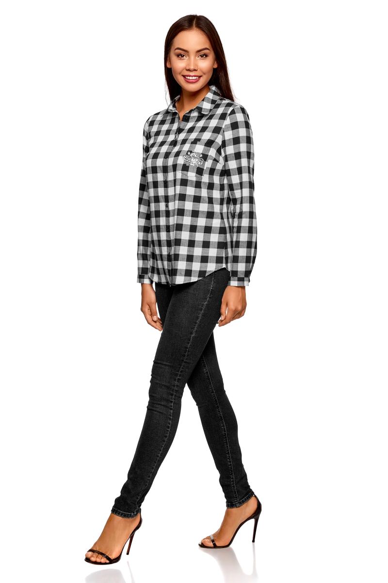 Рубашка женская oodji Ultra, цвет: черный, белый. 11401266/46975/2912C. Размер 38-170 (44-170)11401266/46975/2912CСтильная рубашка от oodji выполнена из натурального хлопка. Модель с отложным воротником и длинными рукавами застегивается на пуговицы, на груди дополнена накладным кармашком, оформленным аппликацией.
