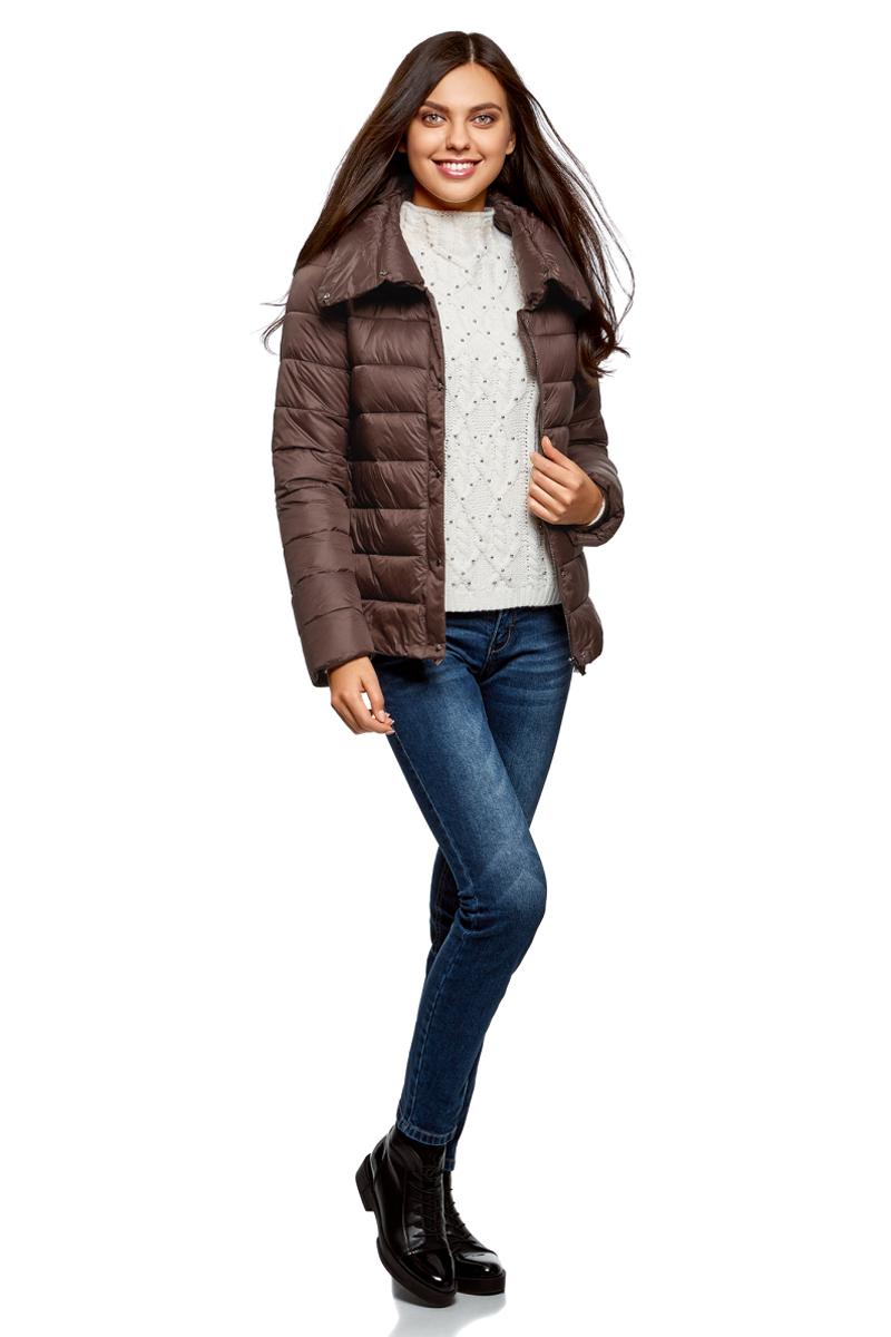 Куртка женская oodji Ultra, цвет: темно-коричневый. 10203054/45638/3900N. Размер 42-170 (48-170)10203054/45638/3900NСтеганая полуприталенная куртка от oodji с высоким воротом. Надежно застегивается на металлические кнопки. Утепленная куртка сшита из непромокаемой ткани и будет незаменима в дождливую и ветреную погоду. Высокий воротник прекрасно защищает от ветра и не стесняет движений. Простота кроя делает эту куртку универсальной. Она подойдет для любого возраста, комплекции и роста.Утепленная куртка займет достойное место в вашем гардеробе и прекрасно дополнит ваши образы в стиле Casual. В сочетании с этой курткой одинаково хорошо смотрятся высокие сапоги на каблуке, ботфорты или ботинки. К ней идеально подойдут и классические брюки, и джинсы, и юбка. Шапка или берет отлично завершат ваш образ. В этой куртке вы, несомненно, почувствуете себя легко и непринужденно.