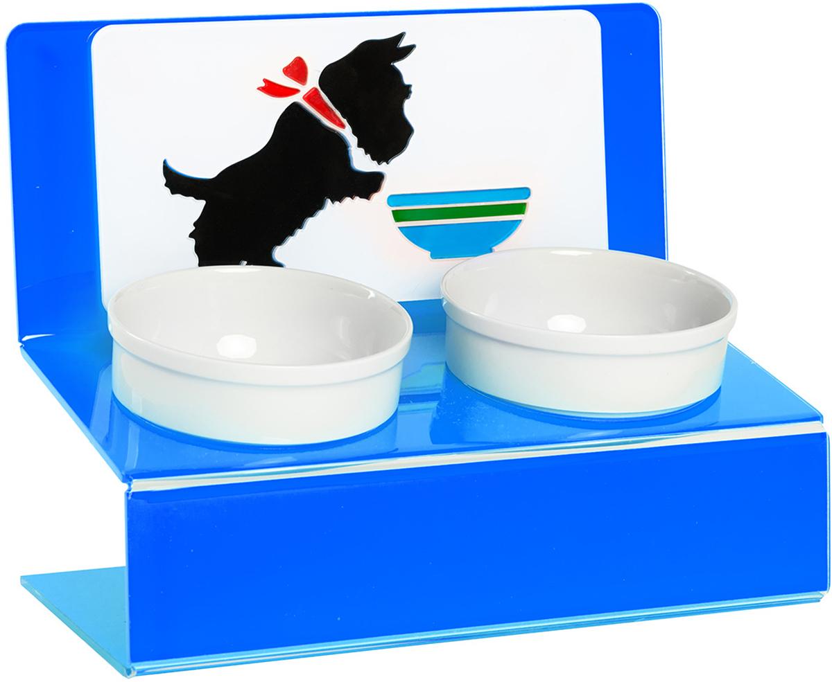 Миска для животных Artmiska Щенок двойная, на подставке, цвет: синий, 2 х 350 млЩ-4Artmiska - это фарфоровые миски на дизайнерской подставке, которые созданы специально для кошек и собак мелких пород.Высота подставки и угол ее наклона максимально обеспечивают правильное положение тела кошки или собаки при кормлении.Оптимальная высота и угол наклона подставки, форма и объем миски эффективно снижают разбрасывание корма домашним питомцем.Artmiska подходят для всех кошек и собакам мелких пород – той-терьерам, шпицам, йоркширским терьерам, карликовым пинчерам, чихуахуа и другим. Объем каждой миски: 350 мл.