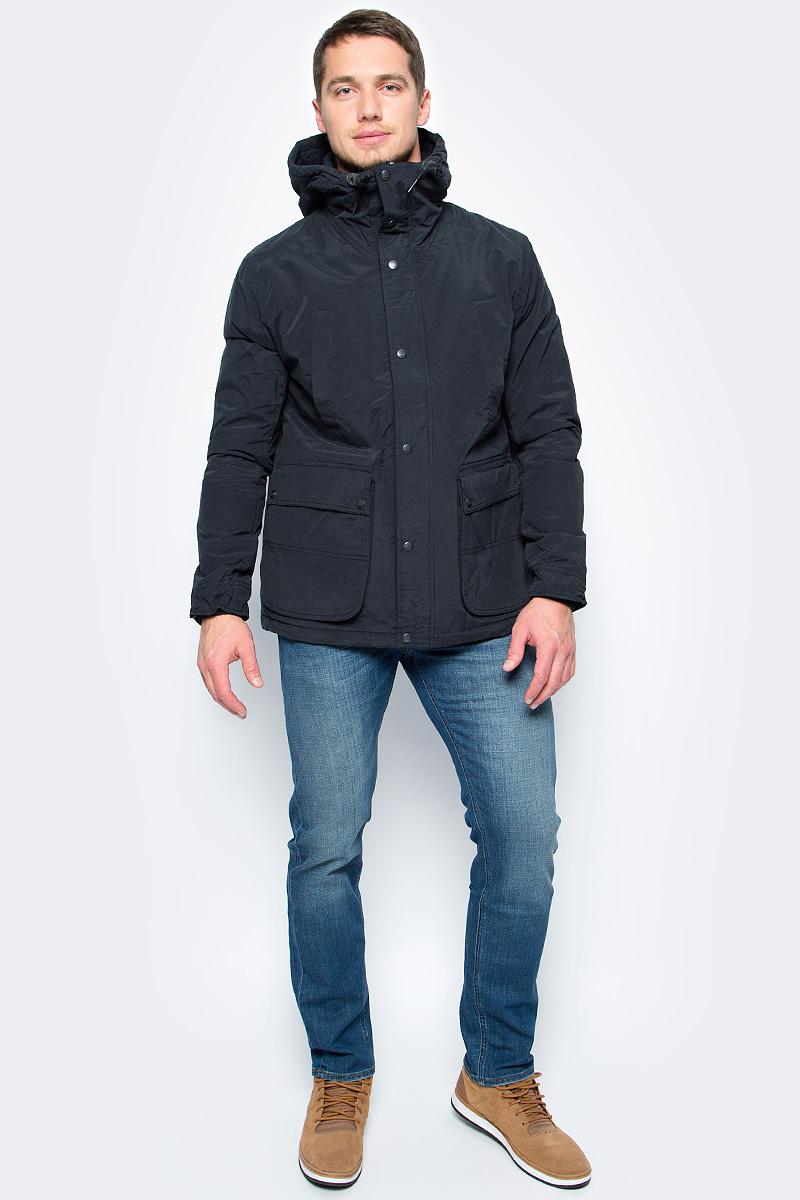 Куртка мужская Lee, цвет: черный. L89JWR01. Размер M (48)L89JWR01Демисезонная мужская куртка Lee отлично подойдет для прохладной погоды. Модель прямого кроя с регулируемым капюшоном и воротником-стойкой, надежно защищающим от ветра, застегивается на молнию с ветрозащитной планкой на пуговицах и кнопках. Куртка дополнена вместительными карманами: четырьмя снаружи и одним внутри.