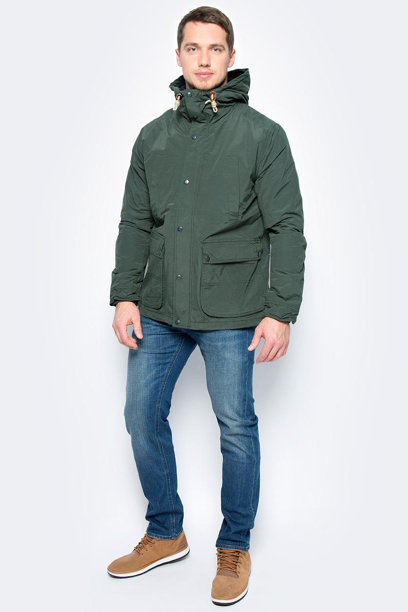 Куртка мужская Lee, цвет: зеленый. L89JWRDF. Размер XL (52)L89JWRDFДемисезонная мужская куртка Lee отлично подойдет для прохладной погоды. Модель прямого кроя с регулируемым капюшоном и воротником-стойкой, надежно защищающим от ветра, застегивается на молнию с ветрозащитной планкой на пуговицах и кнопках. Куртка дополнена вместительными карманами: четырьмя снаружи и одним внутри.
