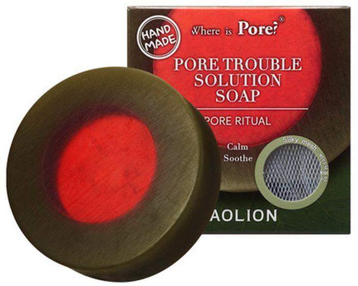 Caolion Мыло для проблемной кожи Pore Trouble Solution Soap, 100 г40148Натуральное мыло ручной работы бережно очищает кожу от макияжа и загрязнений. Листья камелии, алоэ, экстракт центеллы азиатской успокаивают кожу, а гиалуроновая кислота дарит увлажнение.