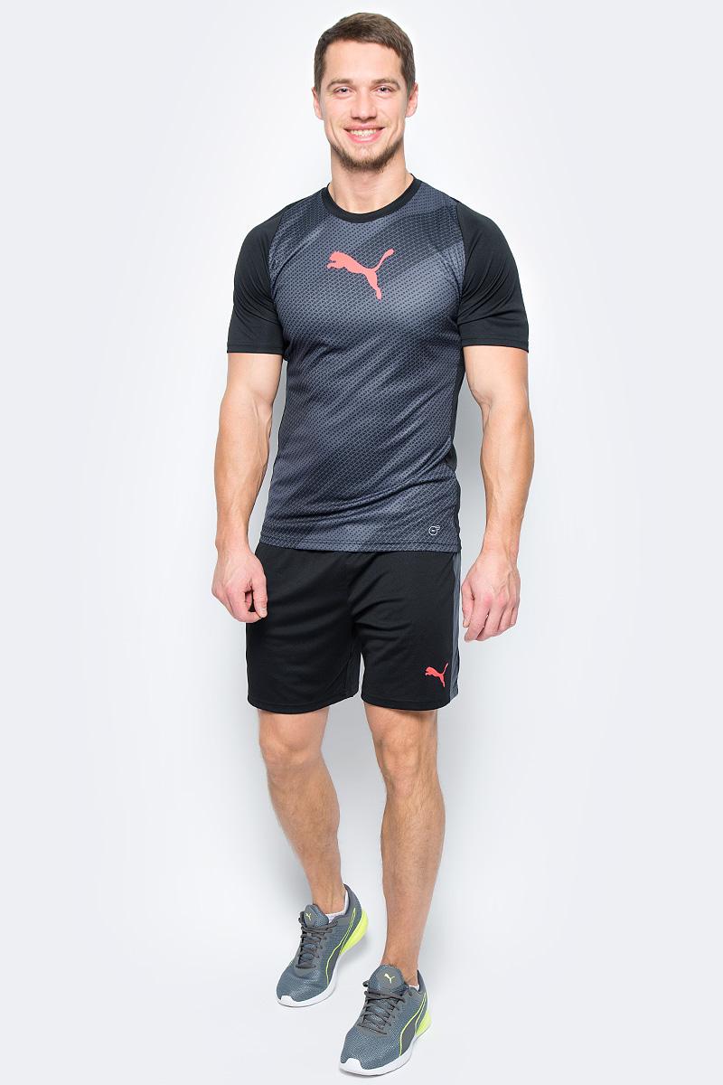 Шорты мужские Puma evoTRG Shorts, цвет: черный. 65534806. Размер L (48/50)65534806Футбольные шорты evoTRG от Puma обеспечивают максимальный комфорт и производительность как во время тренировки, так и после нее. Высокотехнологичный материал dryCELL отводит влагу от кожи, чем обеспечивает сухость и ощущение комфорта в течение всей тренировки. Боковые сетчатые вставки Puma Formstrip. Эластичный пояс на шнурке.