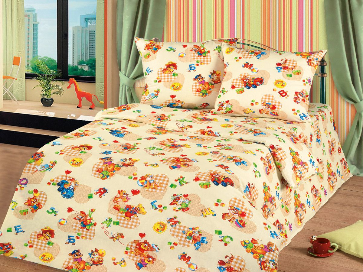 Cleo Комплект в кроватку Знайка 3 предмета цвет оранжевый56/035-baКоллекция Cleo для самых маленьких разнообразна в своей цветовой гамме, нежные и красочные, для мальчиков и девочек, а милые и очаровательные волшебные персонажи не дадут вашему малышу скучать. Благодаря пигментному способу нанесение печати, даже после многократных стирок (деликатный режим), постельное белье сохраняет свой первоначальный вид. Постельное белье выполнено из натуральных тканей из 100% Хлопка. Бязь – 100% Хлопок, и имеет ряд уникальных свойств: экологичность, гипоаллергенность, благодаря особому способу переплетения нитей в полотне, обеспечивается особая плотность ткани, что делает ее устойчивой к износу, сохраняется внешний вид на долгие годы, загрязнения прекрасно отстирываются любыми средствами, не садится, легко гладится, не накапливает статического электричества, благодаря составу из 100% хлопка, обладает исключительной терморегуляцией и создаст комфорт вашему малышу во время сна!