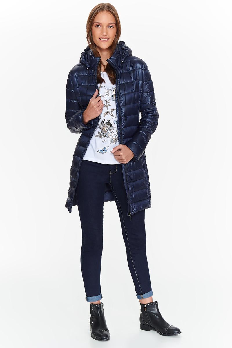 Куртка женская Top Secret, цвет: темно-синий. SKU0786GR. Размер 38 (46)SKU0786GRЖенская стеганная куртка Top Secret выполнена из высококачественного материала. Модель с капюшоном застегивается на молнию. Изделие имеет приталенный силуэт. Спереди расположены два прорезных кармана на молниях. Сверхлегкая и теплая куртка длиной до колена обеспечит комфорт и удобство.