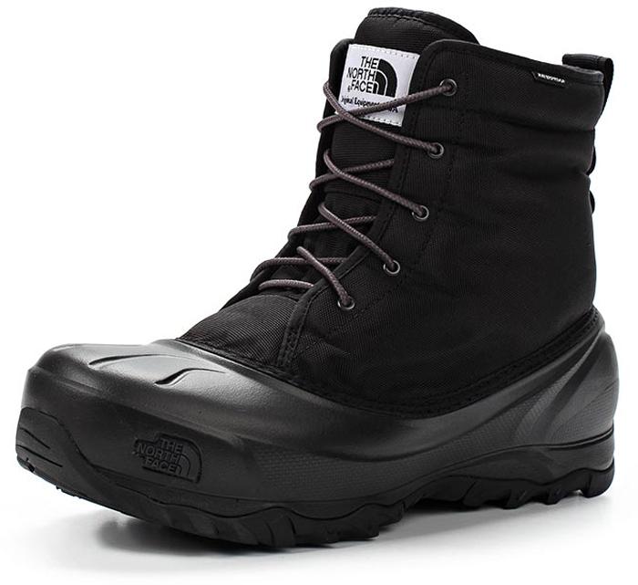 Ботинки мужские The North Face M Tsumoru Boot, цвет: черный. T93MKSZU5. Размер 11H (45)T93MKSZU5Мужские водонепроницаемые ботинки Tsumoru Boot от The North Face с мягкой подкладкой из флиса. Гарантированно сохранят ноги в сухости во время зимних приключений. Мембрана HydroSeal защитит ваши ноги от замерзающих луж, в то время как материал PrimaLoft Silver Insulation Eco надежно сохранит тепло ног. Прочная резиновая подошва TNF Winter Grip обеспечивает надежное сцепление с непредсказуемой зимней поверхностью.