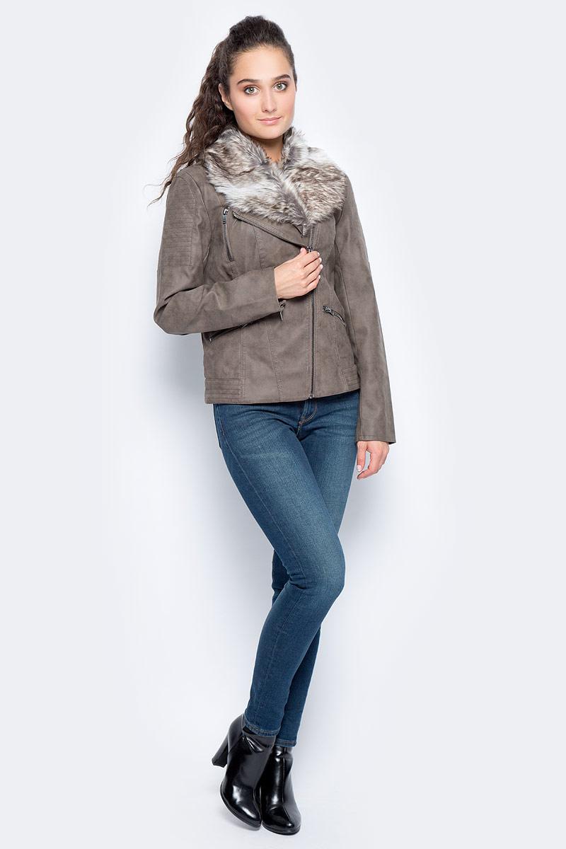 Куртка женская Only, цвет: коричневый. 15137578_Falcon. Размер 34 (40)15137578_FalconСтильная куртка от Only выполнена из искусственной кожи. Модель с длинными рукавами застегивается на асимметричную застежку-молнию и дополнена прорезными карманами на молниях. Воротник оформлен опушкой из искусственного меха. Рукава по низу дополнены молниями.