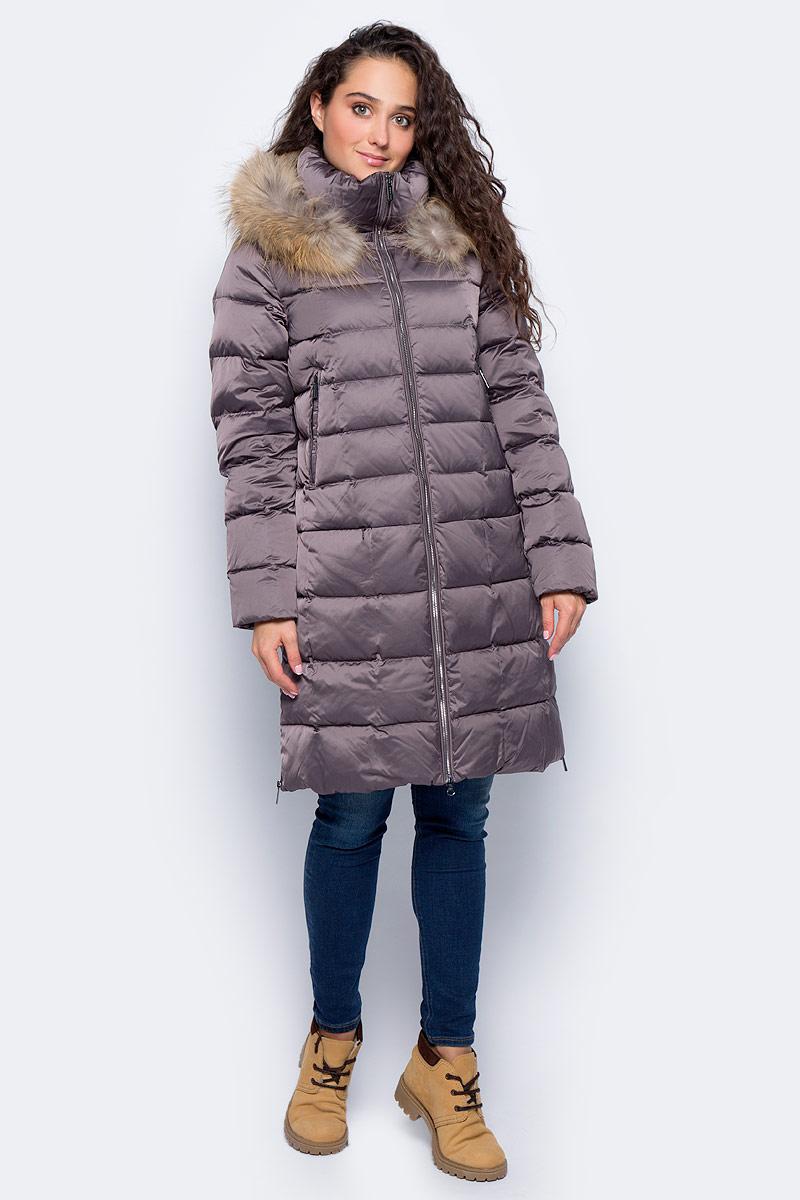 Пальто женское Finn Flare, цвет: серо-фиолетовый. W17-32005_809. Размер M (46)W17-32005_809Пальто Finn Flare изготовлено из качественного полиэстера с утеплителем. Модель с длинными рукавами и капюшоном с мехом застегивается на молнию. Пальто дополнено прорезными карманами на застежках-молниях. По бокам изделия расположены металлические молнии.