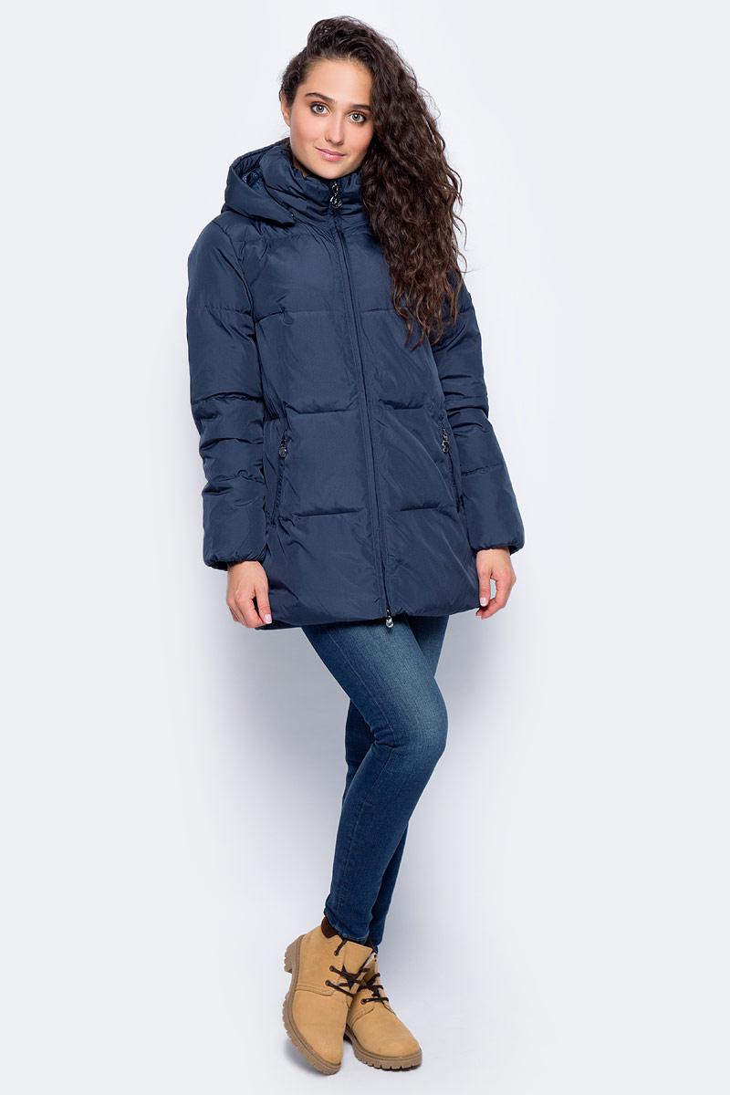 Куртка женская Finn Flare, цвет: темно-синий. W17-12049_101. Размер S (44)W17-12049_101Теплая женская куртка изготовлена из качественного полиэстера. Модель с длинными рукавами и съемным капюшоном застегивается на молнию. По бокам расположены врезные карманы на застежках-молниях.