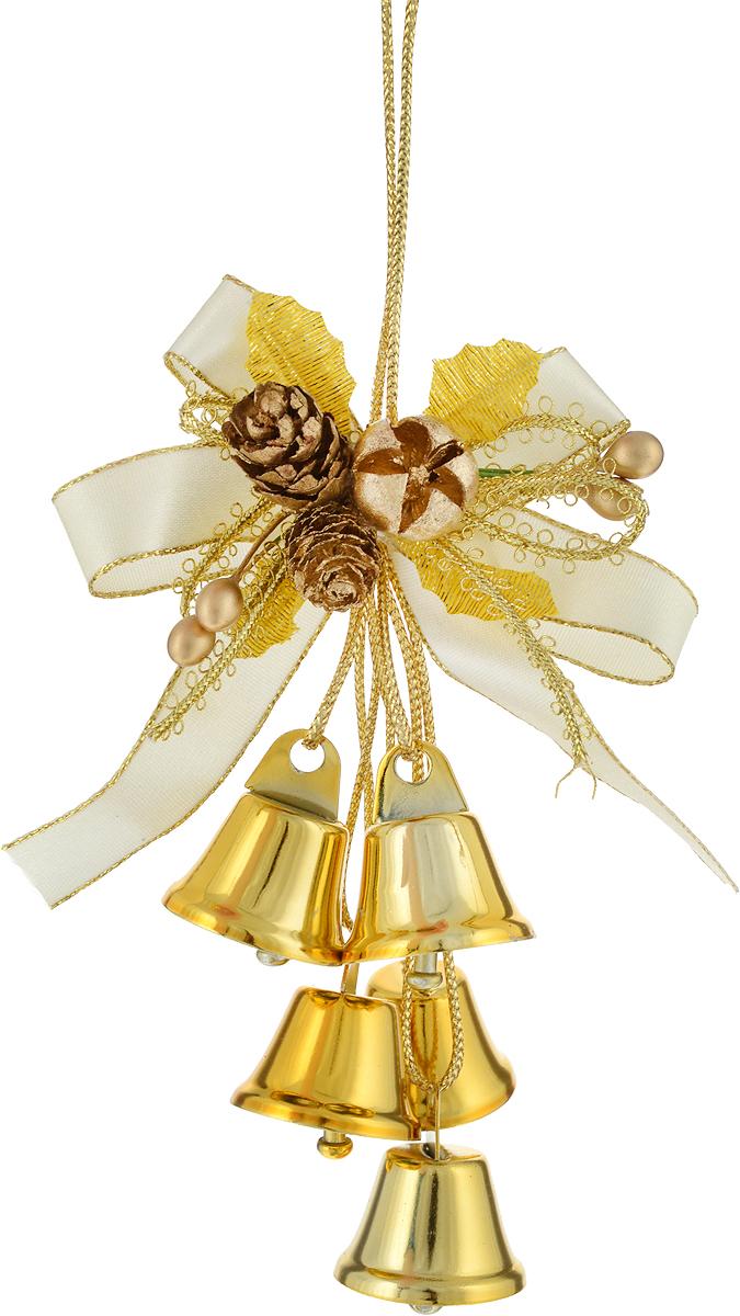 Украшение новогоднее подвесное Magic Time Колокольчики, цвет: золотистый, молочный, высота 18 см30652Новогоднее подвесное украшение Magic Time колокольчики выполнено из полиэстера и металла в виде бантика с колокольчиками. С помощью петельки украшение можно повесить в любом понравившемся вам месте. Но, конечно, удачнее всего оно будет смотреться на праздничной елке.Елочная игрушка - символ Нового года. Она несет в себе волшебство и красоту праздника. Создайте в своем доме атмосферу веселья и радости, украшая новогоднюю елку нарядными игрушками, которые будут из года в год накапливать теплоту воспоминаний.Высота: 18 см.