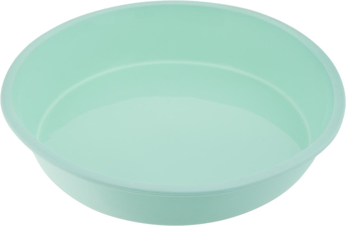 """Форма для выпечки Paterra """"Круг"""" изготовлена из высококачественного силикона. Стенки формы   легко гнутся,что позволяет легко достать готовую выпечку и сохранить аккуратный внешний вид   блюда.  Силикон - материал, который выдерживает температуру от -40°С до +250°С. Изделия   из силикона очень удобны в использовании: пища в них не пригорает и не прилипает к стенкам,   форма легко моется. Приготовленное блюдо можно очень просто вытащить, просто перевернув   форму, при этом внешний вид блюда не нарушится. Изделие обладает эластичными свойствами:   складывается без изломов, восстанавливает свою первоначальную форму. Порадуйте своих родных и близких любимой выпечкой в   необычном исполнении.   Диаметр формы: 21 см. Высота стенки: 4 см.     Как выбрать форму для выпечки – статья на OZON Гид."""