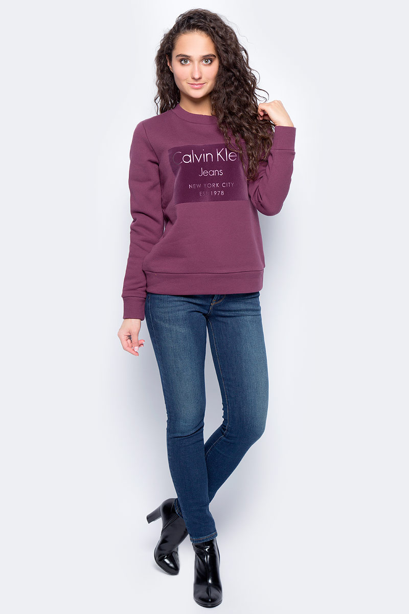 Свитшот женский Calvin Klein Jeans, цвет: фиолетовый. J20J206019_5090. Размер S (42/44) calvin klein jeans топ с принтом