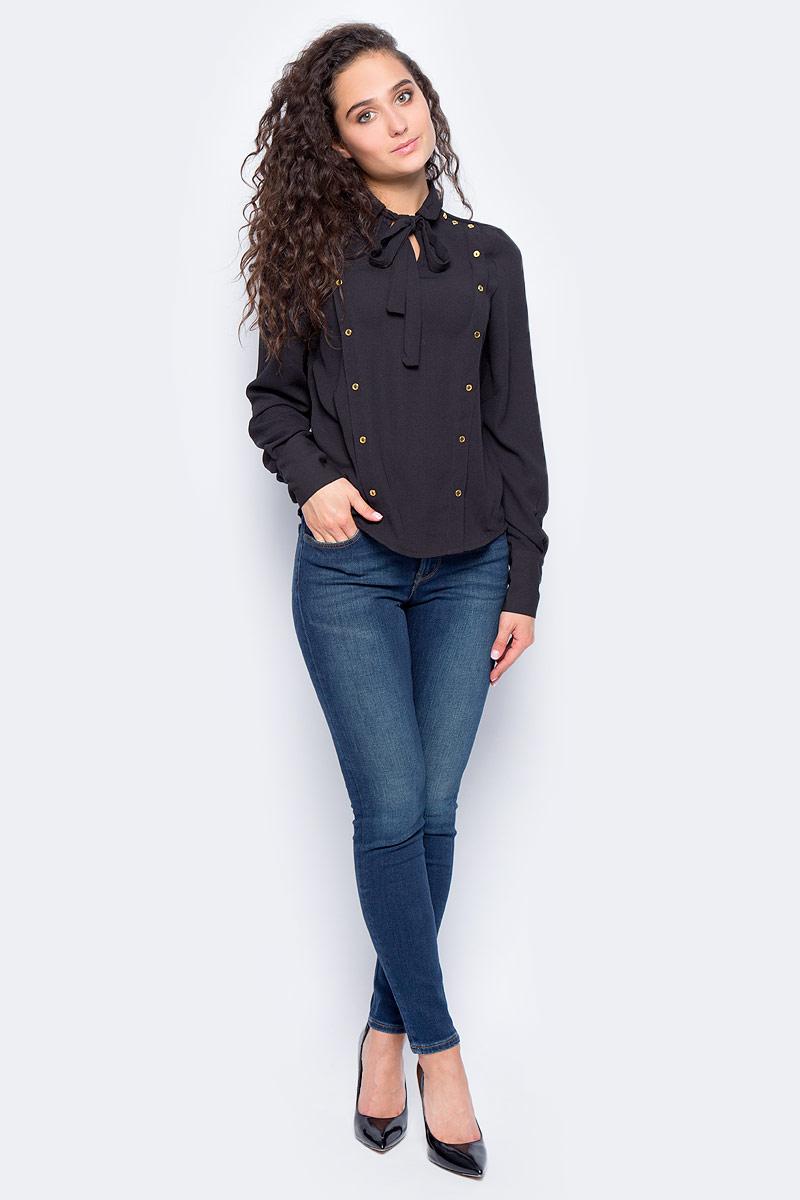 Блузка женская Vero Moda, цвет: черный. 10185897_Black. Размер XS (40/42)10185897_BlackСтильная женская блузка, выполненная из 100% полиэстера, идеально сочетает в себе стиль и комфорт. Модель свободного покроя с длинными рукавами и воротником-стойкой оформлена спереди декоративными люверсами.