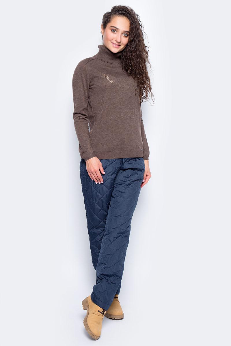 Свитер женский Finn Flare, цвет: темно-коричневый. W17-11116_621. Размер XL (50)W17-11116_621Свитер Finn Flare изготовлен из качественного материала сложного состава. Модель выполнена с длинными рукавами и высоким воротником. Свитер дополнен вязаными резинками по низу изделия и на манжетах.
